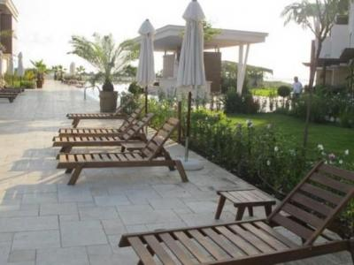 Apolonia Resort