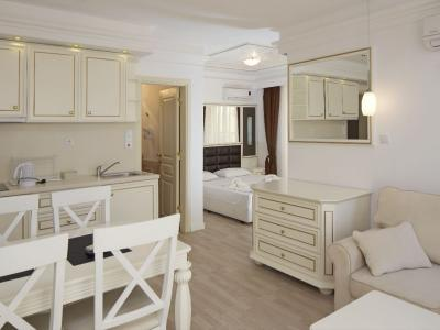 Golden Ina Aparthotel***+2020