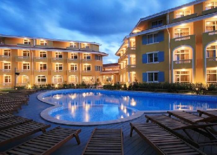 Blue Orange Beach Resort****